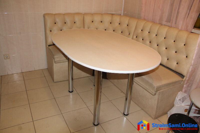 На фото: стол для кухни