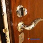 Как установить входную железную дверь своими руками