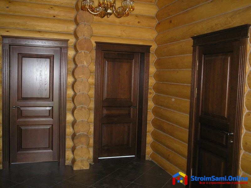 На фото: межкомнатные двери для дачи