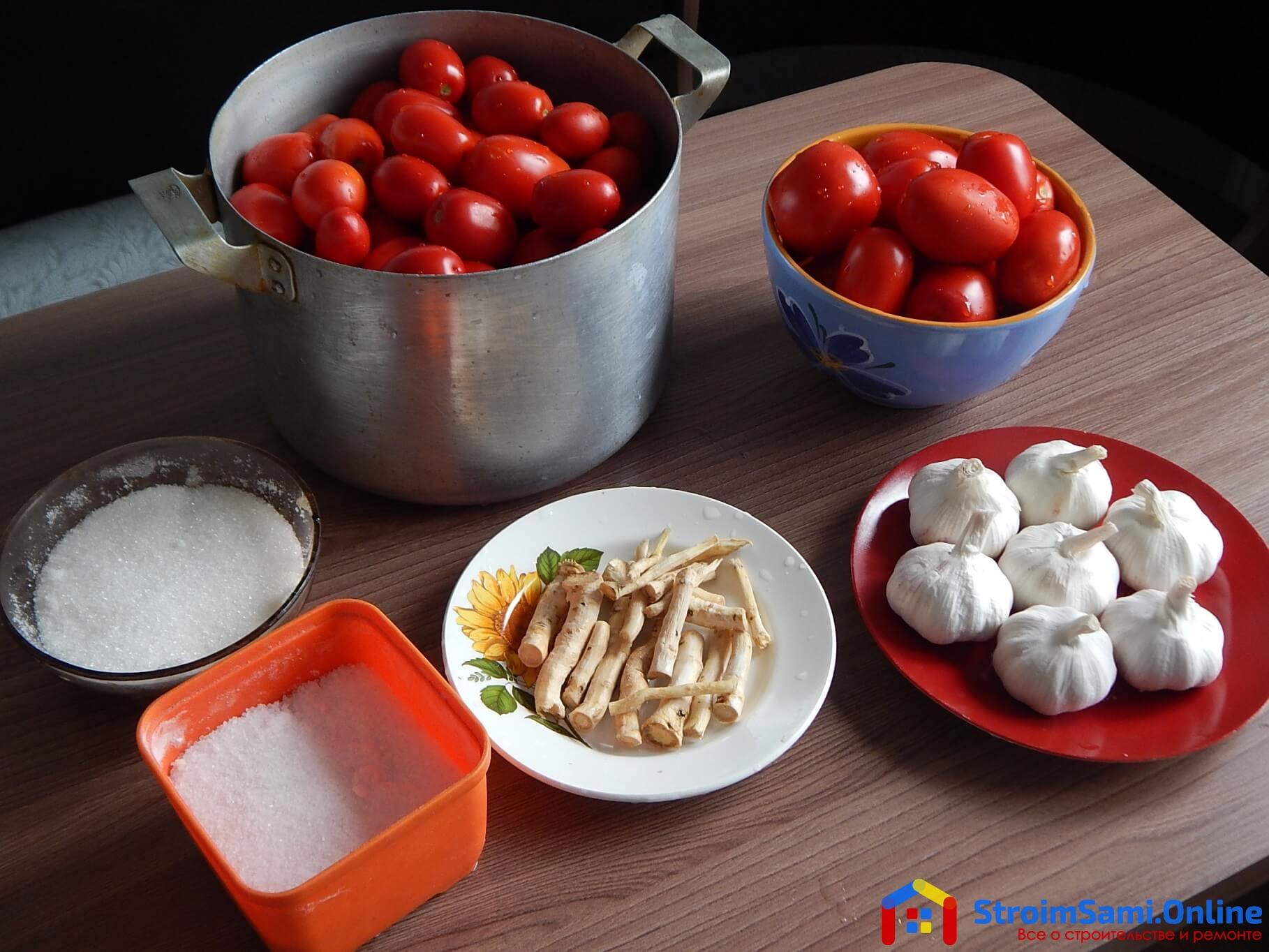 На фото: ингредиенты для приготовления хреновины