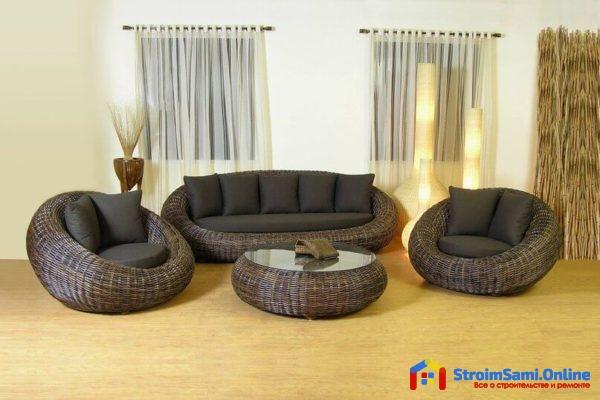 На фото: плетеная мебель