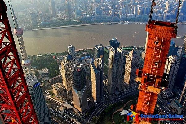 На фото: подъемный кран для строительства небоскребов