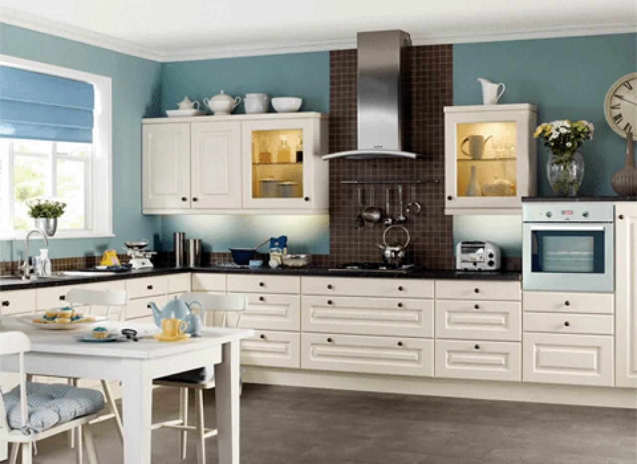Кухонная мебель белого цвета из дуба