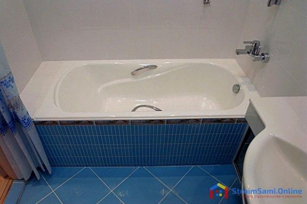 На фото: чугунная ванна