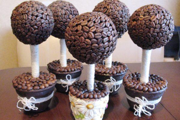 На фото: кофейный топиарий
