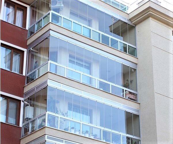 Безрамное остекление балконов, террас, веранды