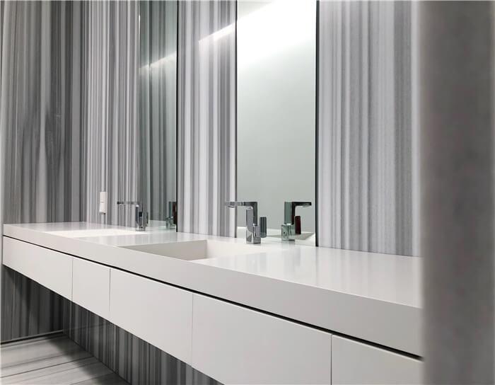 На фото: смеситель для ванной