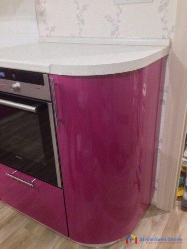 На фото: угловой ящик кухни с радиусом