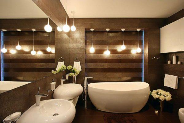 Точечное освещение ванной комнаты