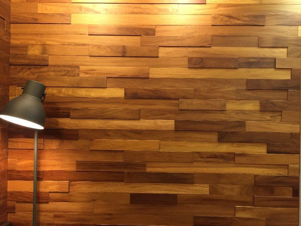 На фото: стеновые панели из натурального дерева