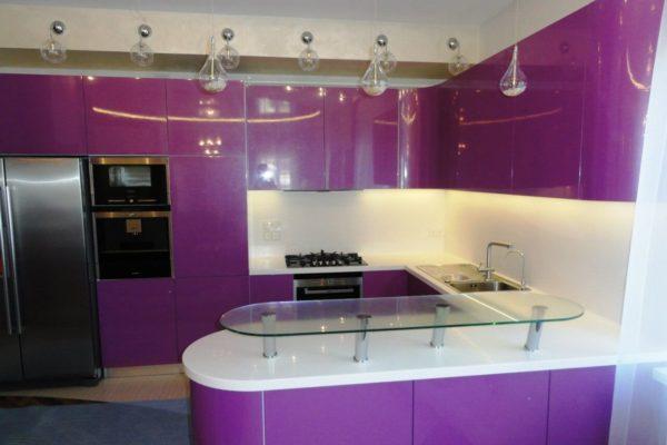 На фото: оригинальный кухонный гарнитур