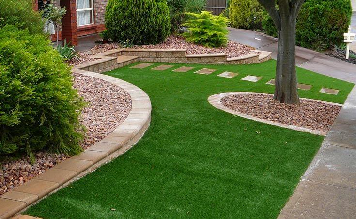 На фото: ландшафтный дизайн загородного дома