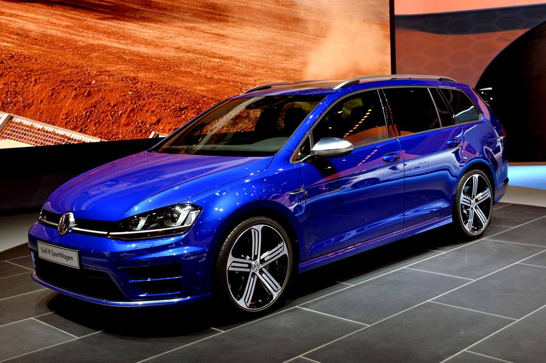 На фото: Volkswagen Golf R Variant