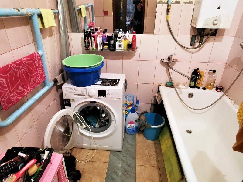 На фото: беспорядок в ванной комнате