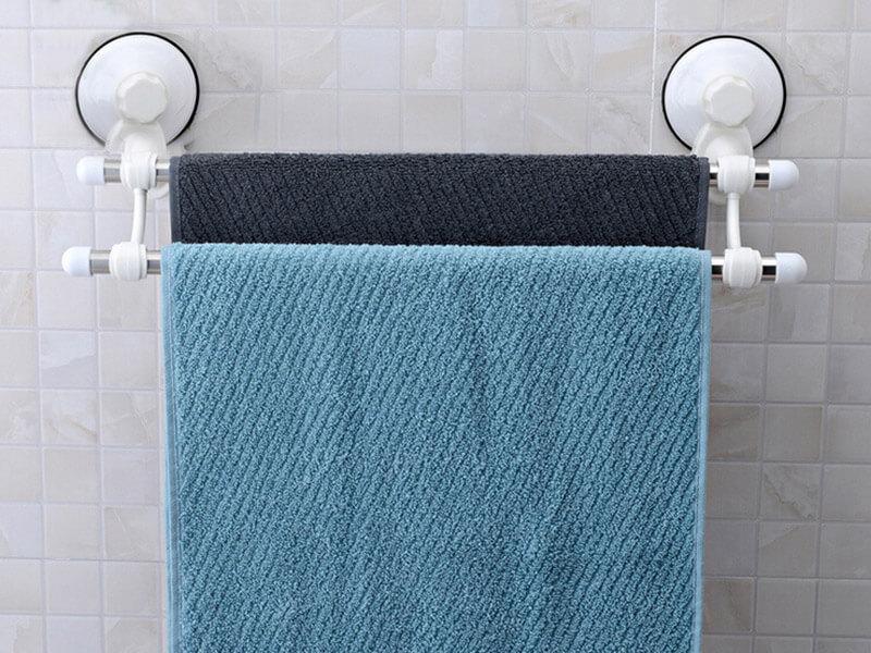 На фото: полотенца в ванной комнате