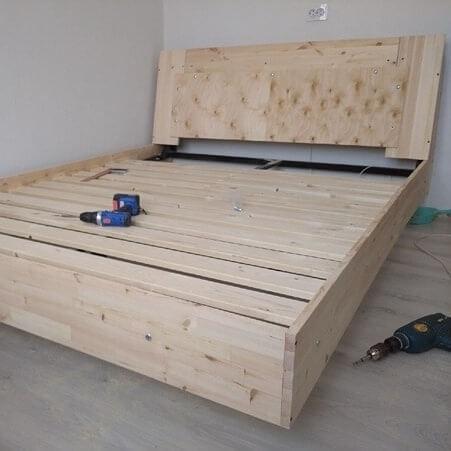 На фото: кровать с парящим эффектом и подсветкой своими руками #Дизайн #Дом #Ремонт #Интерьер #Строительство #Design #Interiordesign #Handmade #DIY #Technology