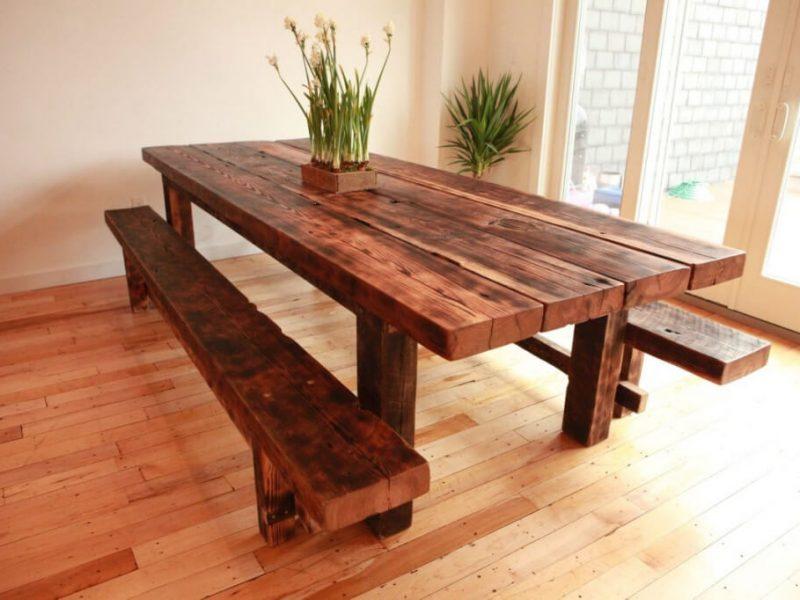 На фото: стол из натурального дерева / Источник фото: Интернет-магазин «Мебельный дом»