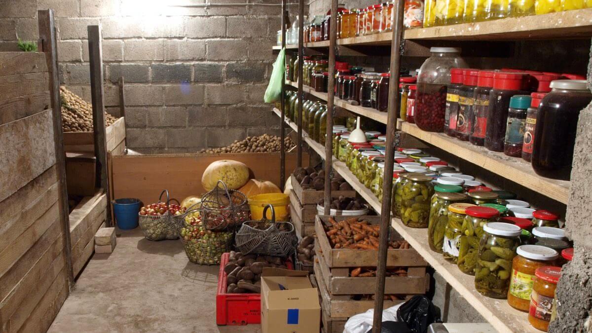 На фото: погреб для хранения овощей