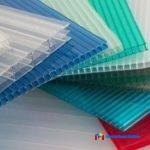 На фото: цветной сотовый поликарбонат