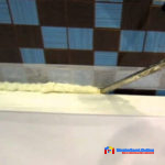 Как заделать щель между ванной и стеной монтажной пеной
