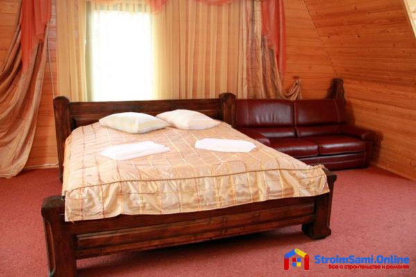 На фото: отель в Мигово