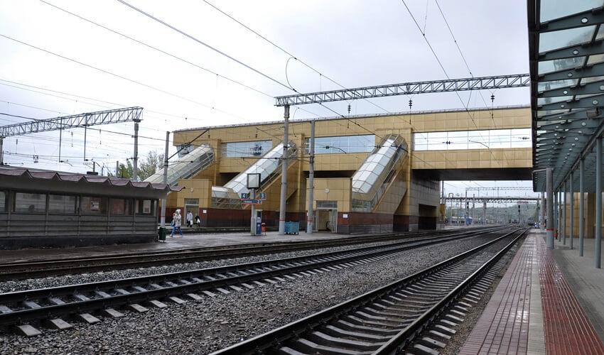 На фото: ЖД вокзал в Уфе