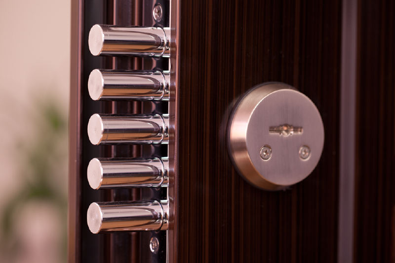 Броненакладки на входные двери