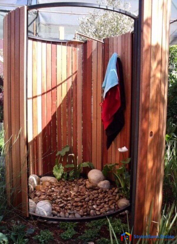 На фото: летний душ для дачи своими руками