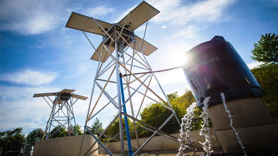 На фото: насос на солнечных батареях