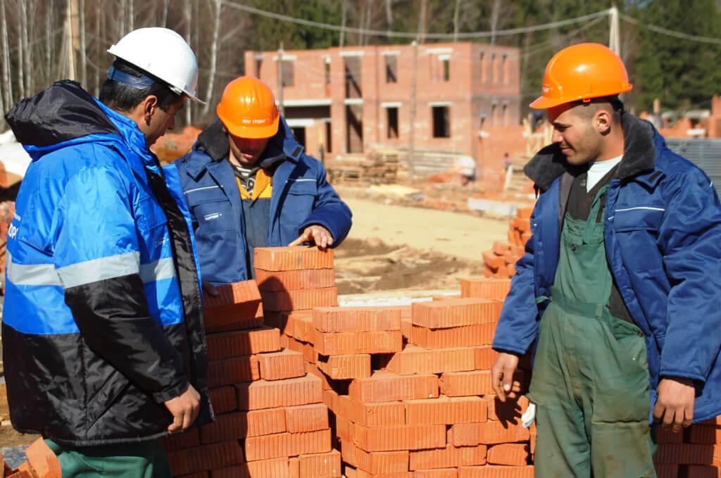 Куда обращаться, если строители испортили материал