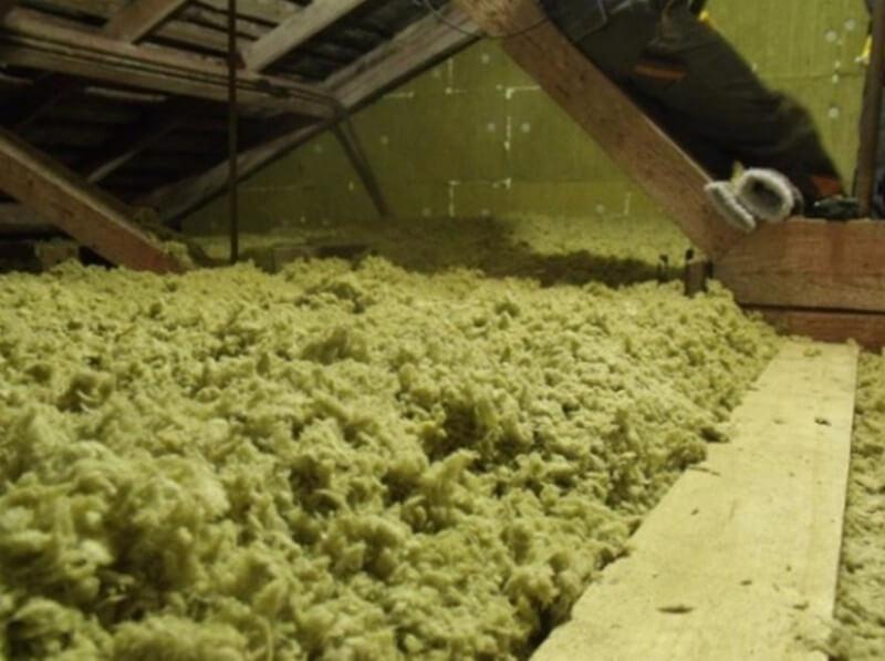 На фото: насыпной утеплитель - это гранулированная базальтовая вата