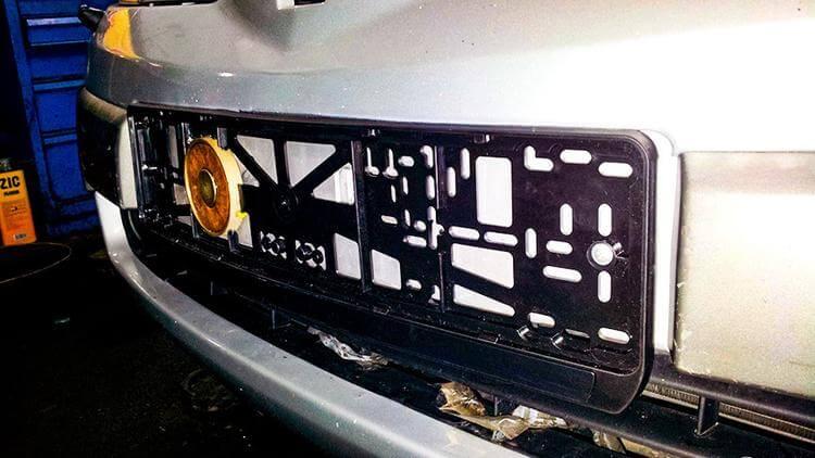 Магнит под номерной знак авто