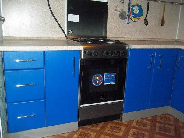На фото: газовая плита на кухне