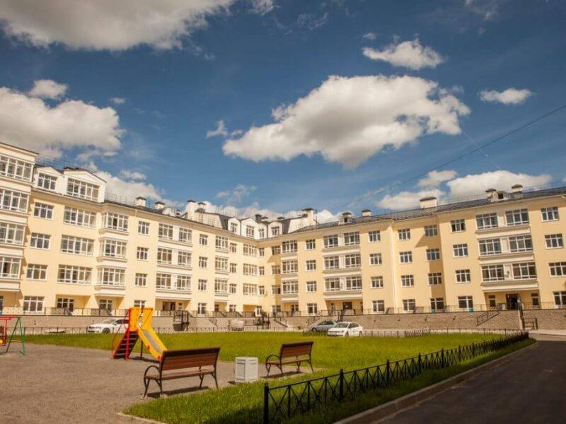 Просторные дворы в домах ЖК Александровский