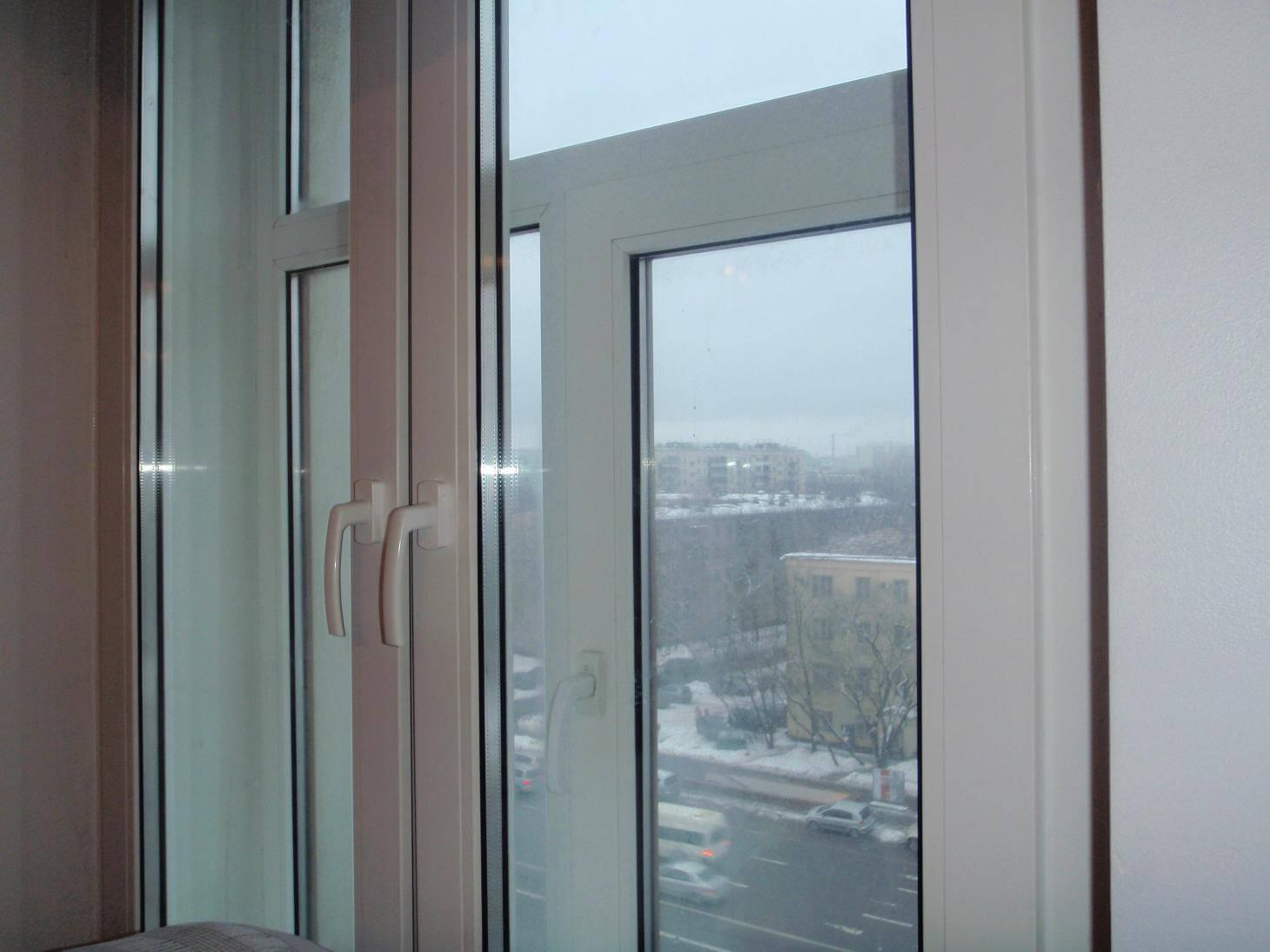 На фото: шумозащитные окна